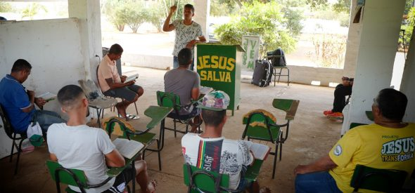 "Tiago teaching ""Jesus Transforms"" project in Carpina"